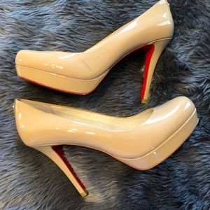 Michael Kors nude pumps with red bottoms💋👠
